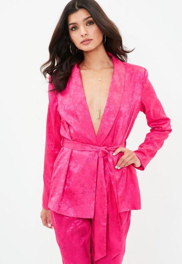 женские пиджаки: под пояс розовый
