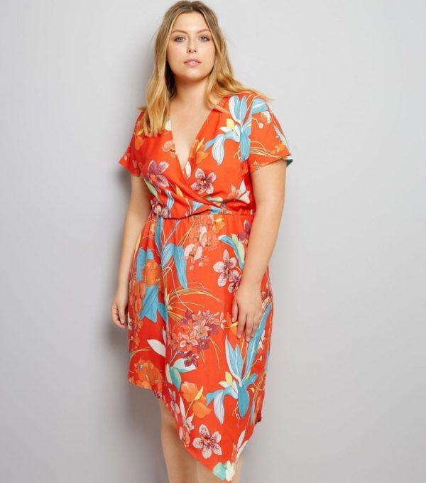 Платья 2018-2019: красное для полных с принтом