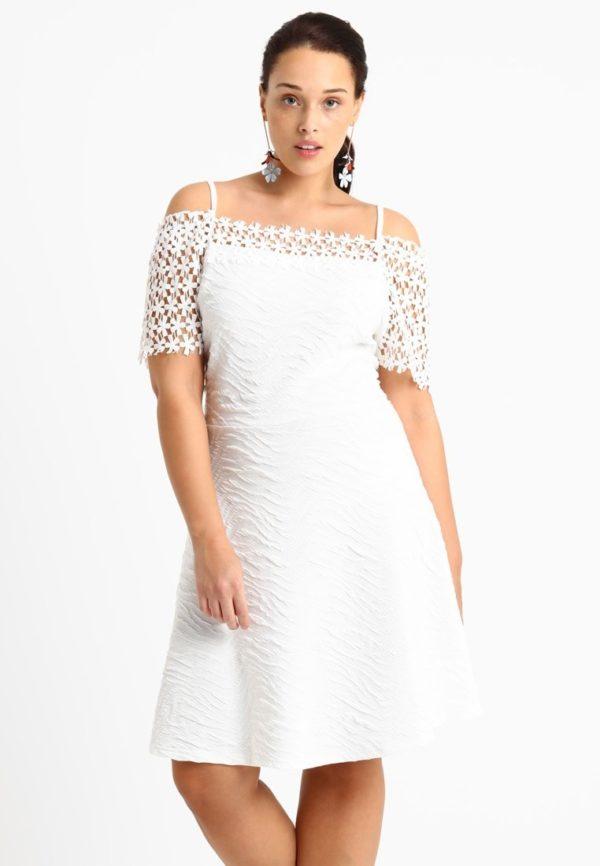 Платья 2018-2019: белое для полных