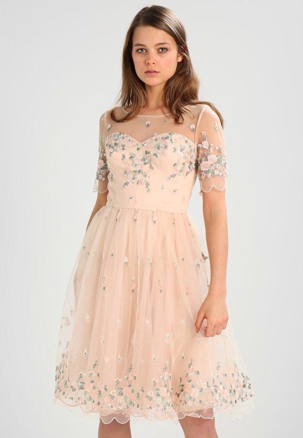 Шифоновое розовое платье