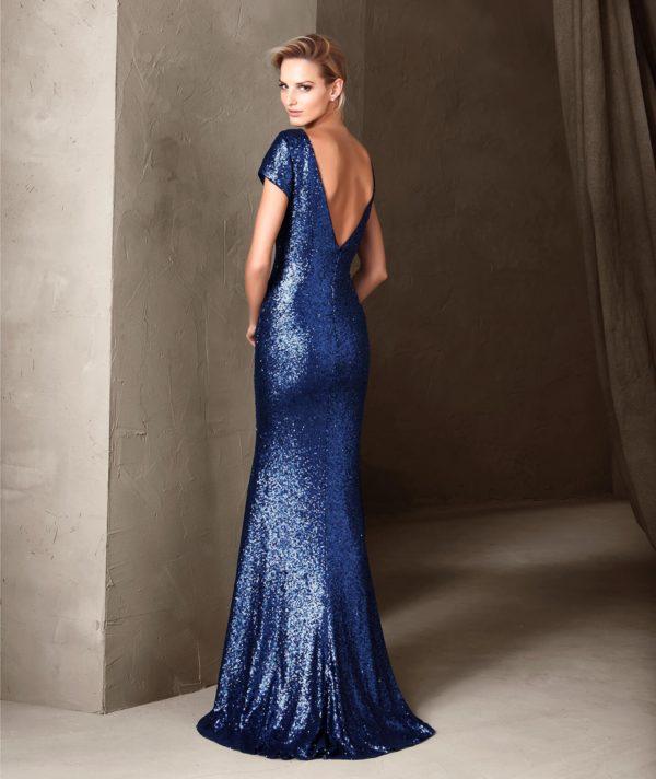 платья на выпускной: Синее с открытой спиной блестящее
