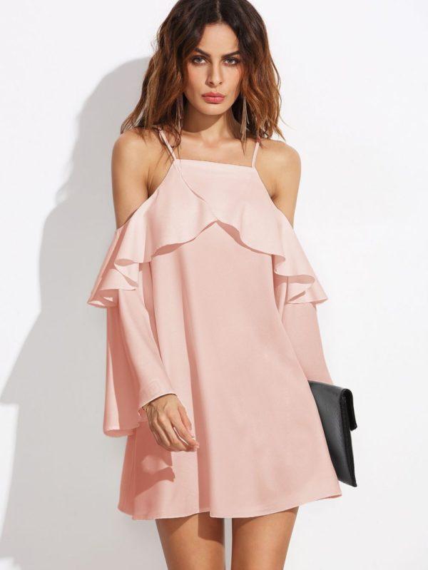 Выпускные платья: Короткое розовое открытые плечи