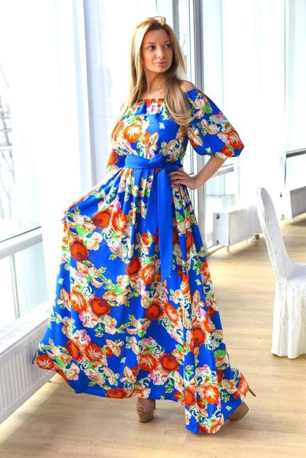 Выпускные платья: с контрастным синим поясом