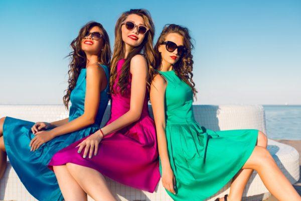 Платья на выпускной 2019 11 класс: синее розовое зеленое