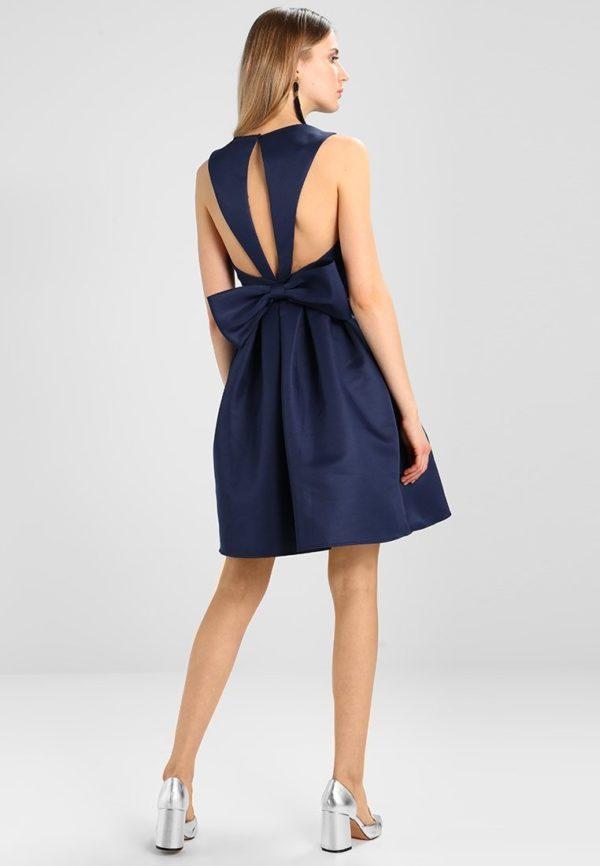 Выпускные платья: Короткое синее с бантом