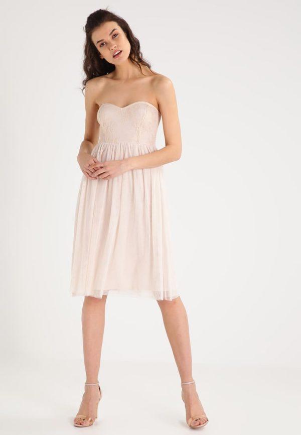 Выпускное платье: коктейльное розовое