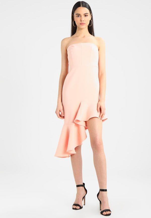 Выпускное платье: Короткое бежевое