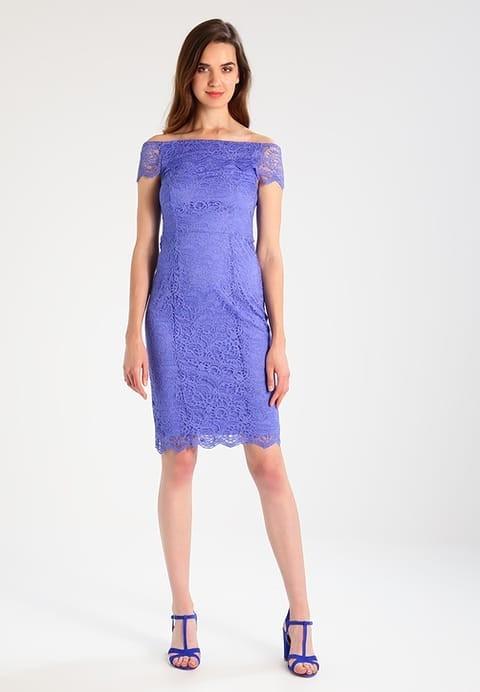 платья на выпускной: футляр синее