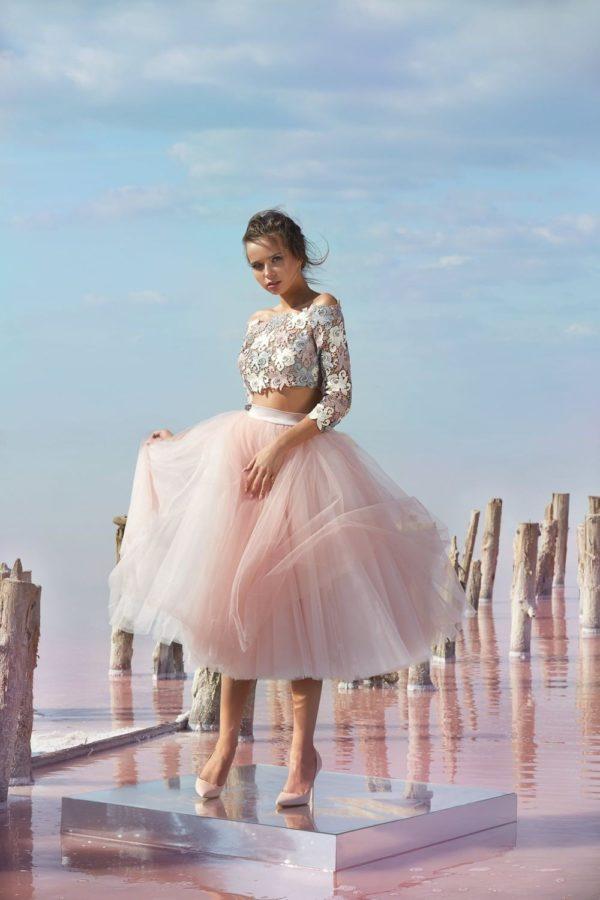 Выпускное платье: Раздельное бежевое платье