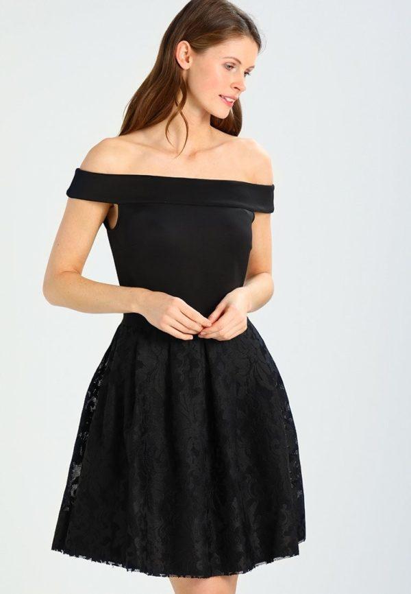 Выпускное платье: Коктейльное черное открытые плечи