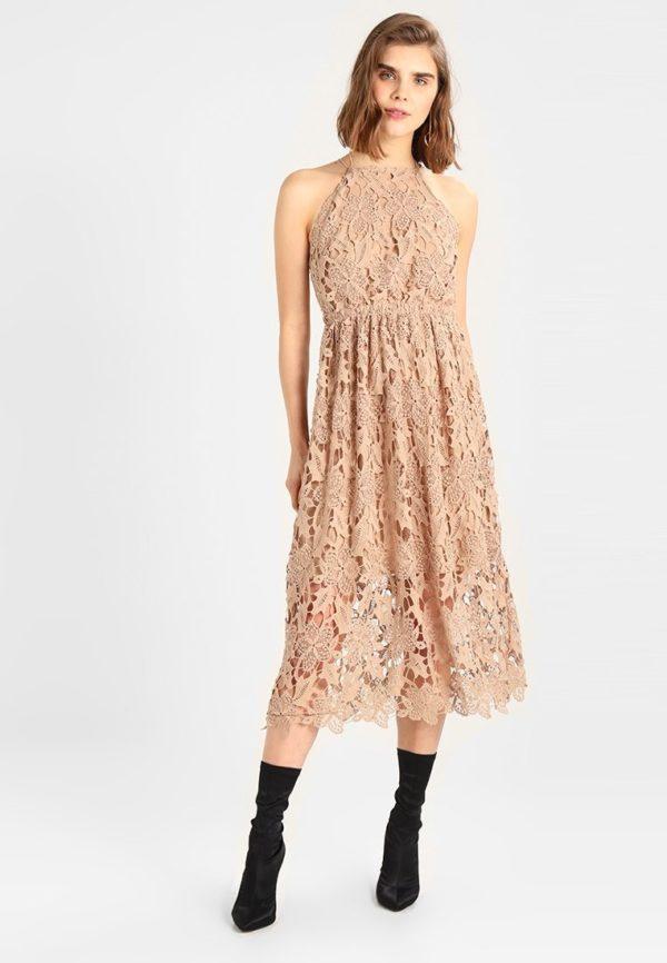 Выпускное платье: Коктейльное бежевое кружевное