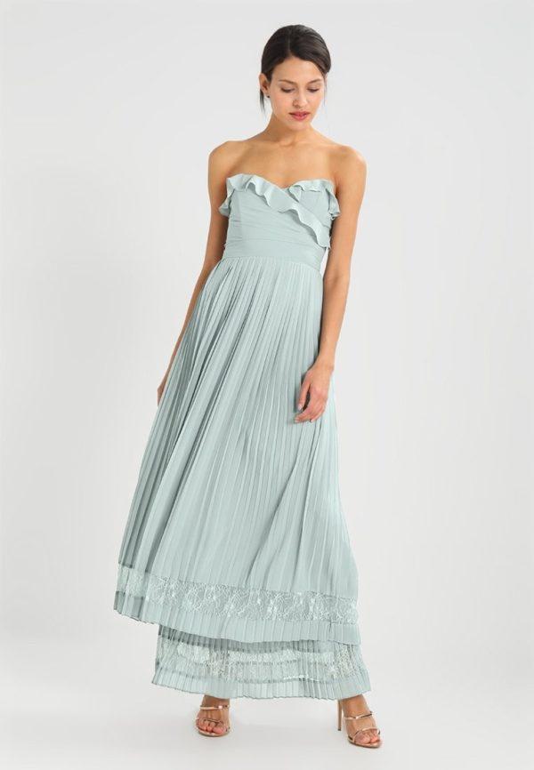 Выпускное платье: коктейльное голубое длинное