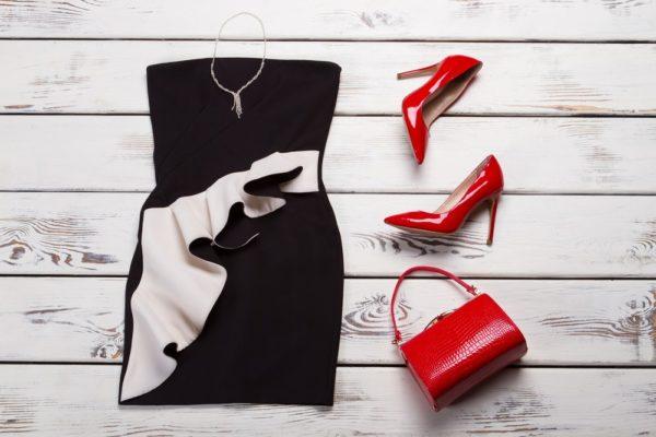 Платья на выпускной 2019 11 класс: черное