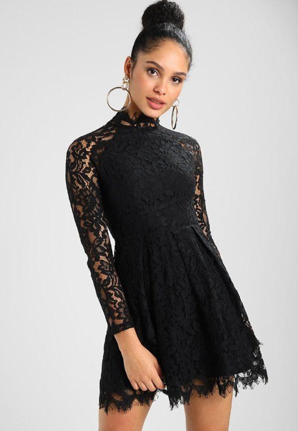 Выпускное платье: Кружевное черное короткое