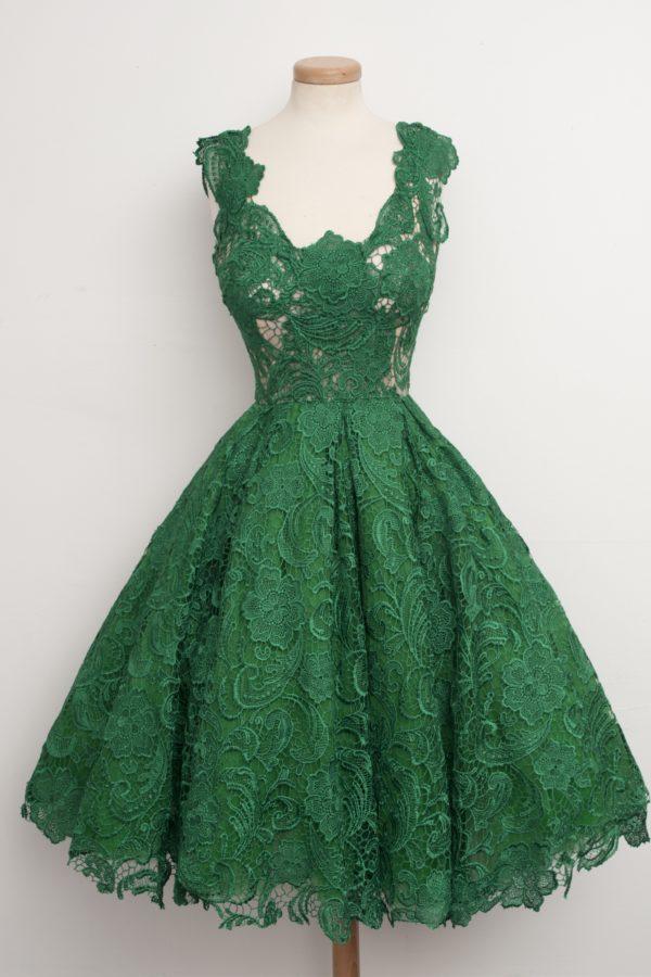 выпускное платье: зеленое с пышной юбкой