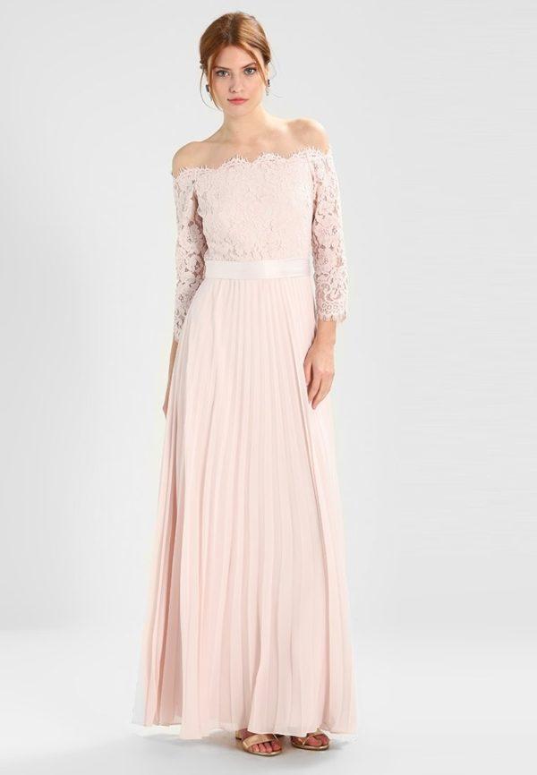 Платья на выпускной 9 класс: Розовое с открытыми плечами