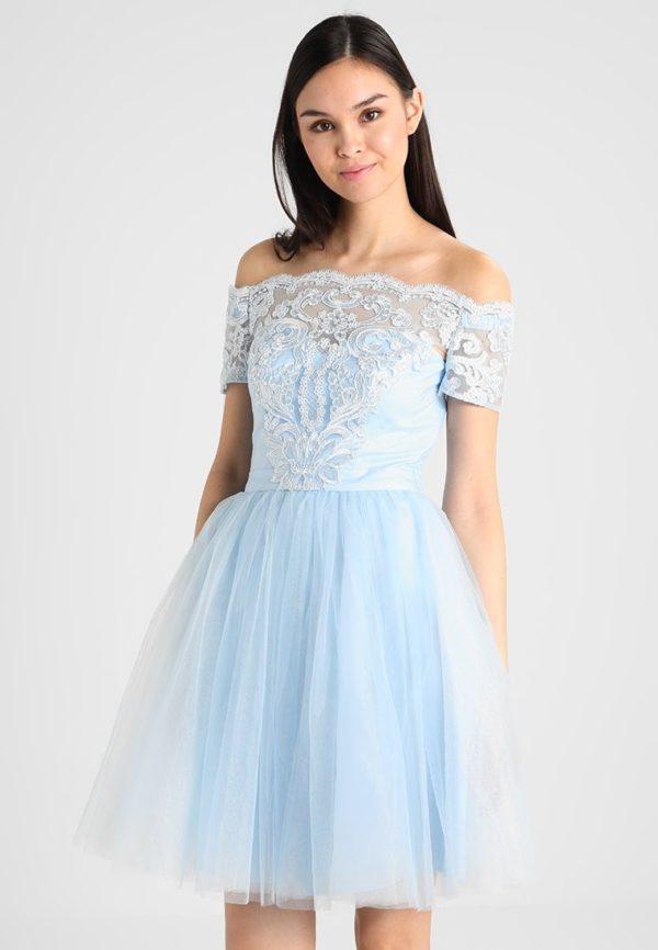 Платья на выпускной 9 класс: Голубое с открытыми плечами кружевное