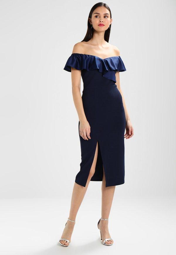 Платья на выпускной 9 класс: синее с открытыми плечами