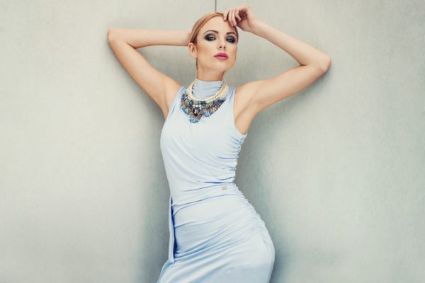 Платья на выпускной 2018 9 класс: голубое