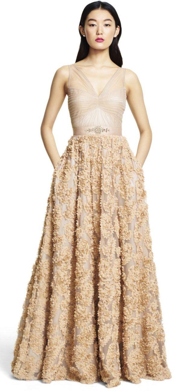 выпускное платье 9 класса: Длинное бежевое