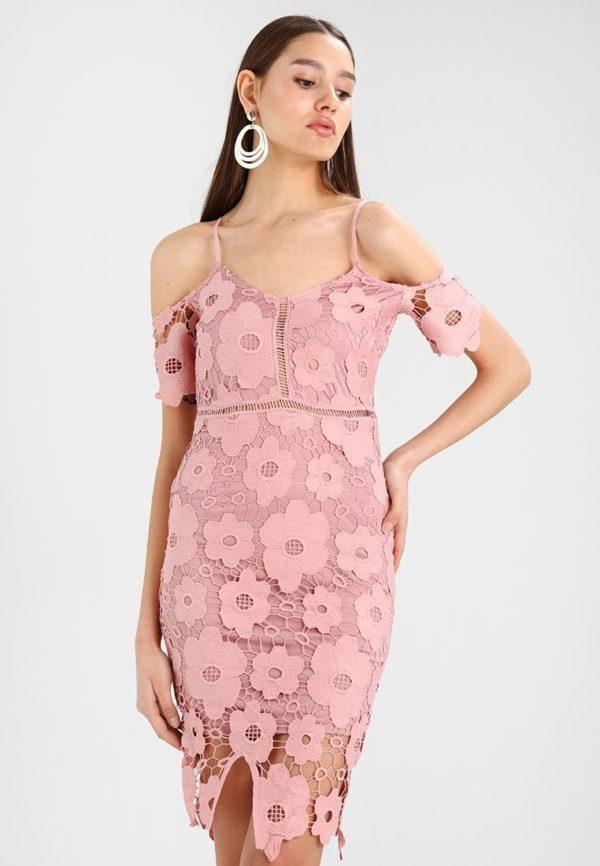 Платья на выпускной 2018 9 класс: Розовое платье ажурное
