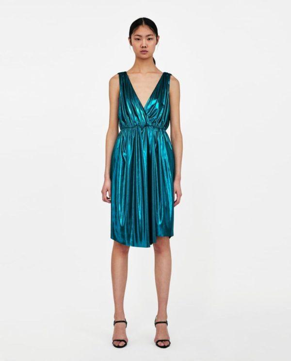 платья на выпускной 2019: синее блестящее
