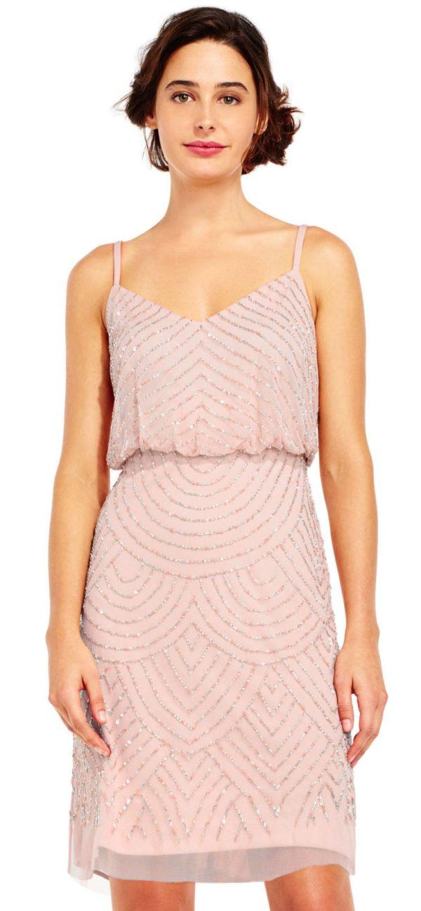 платья на выпускной 2019: розовое с узором