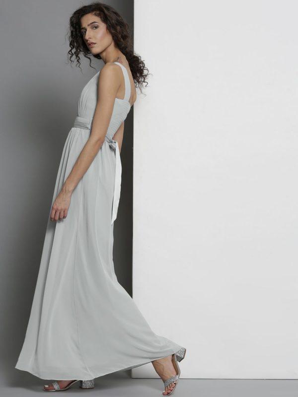 платья на выпускной: светлое