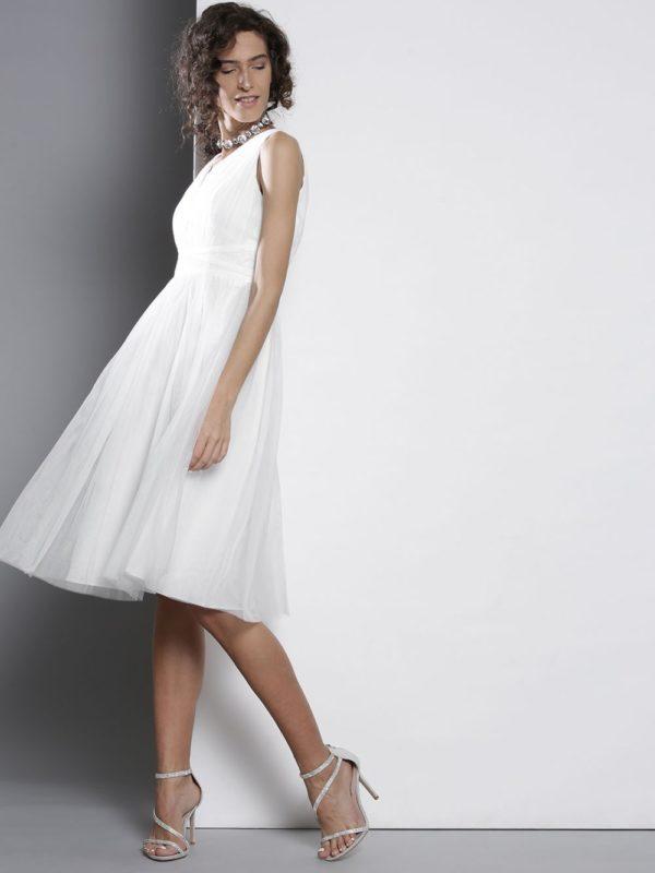платья на выпускной: белое