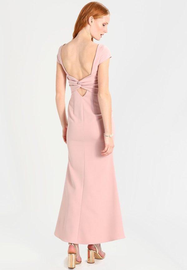 выпускное платье: Розовое с открытой спиной