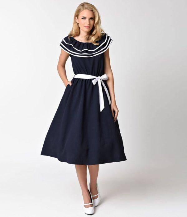 выпускное платье: ретро с белой ленточкой