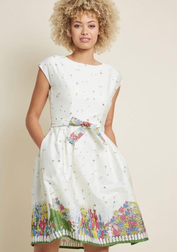 выпускное платье: белое с принтом
