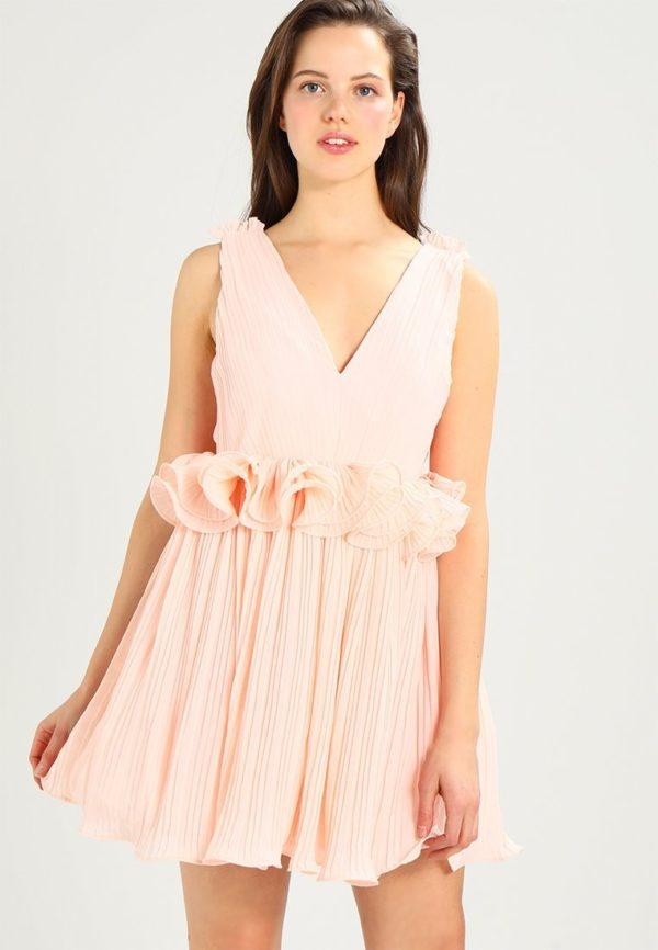 выпускное платье: плиссе розовое короткое