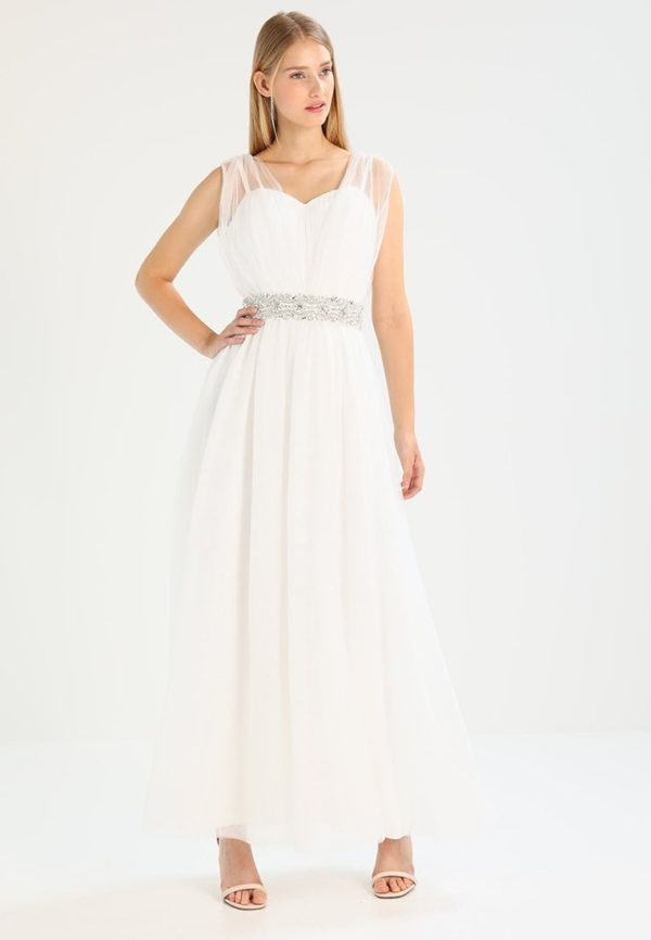 Свадебная мода 2019-2020: белое платье