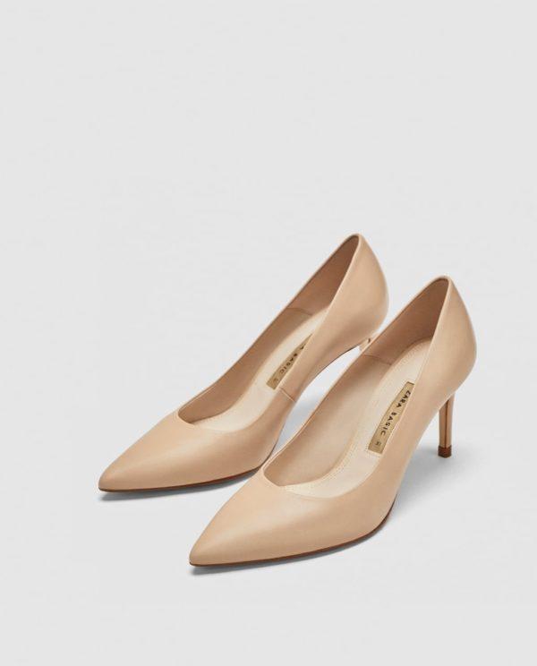 Модные женские туфли: бежевые лодочки