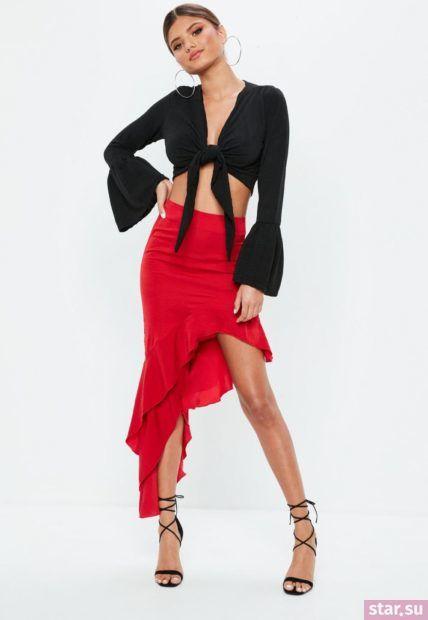 Летняя красная юбка с асимметрией 2018 года