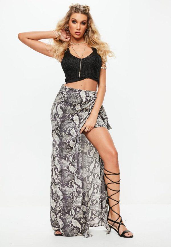 Летняя змеиная юбка с асимметрией