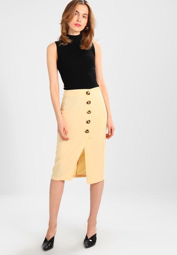 Летняя желтая юбка карандаш
