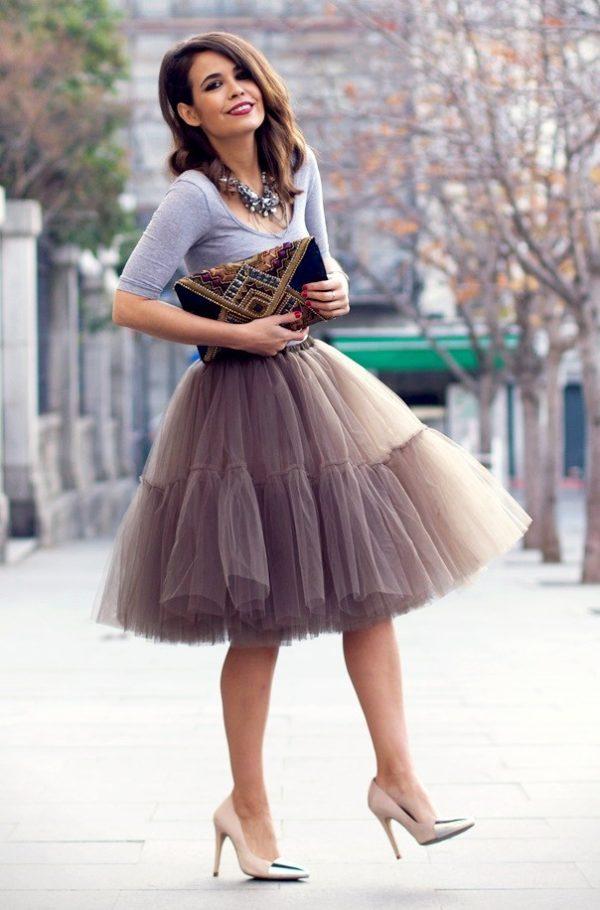 Летняя серая пышная юбки