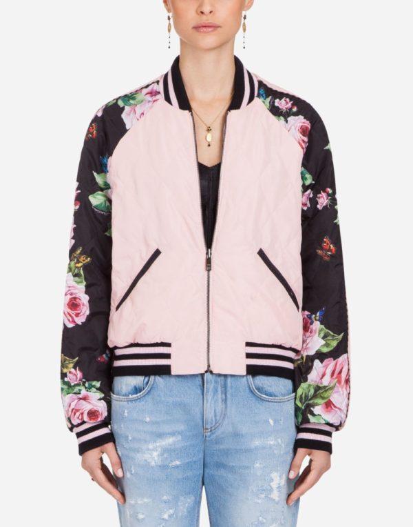 розовая куртка с принтом