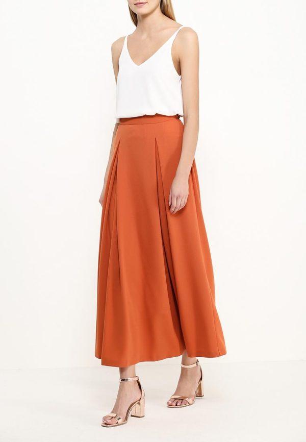 длинная юбка оранжевая под белый топ