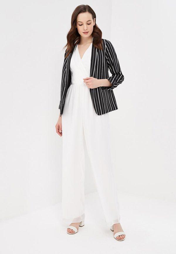Мода весна лето 2020 для женщин за 30: черный пиджак в полоску