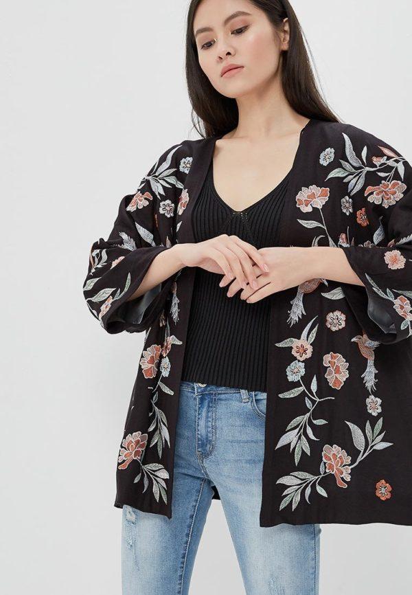Мода весна лето 2020 для женщин за 30: пиджак в цветы