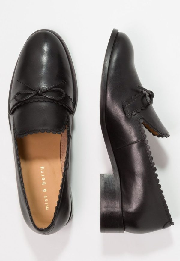 женская обувь весна лето 2019: Черные лоферы