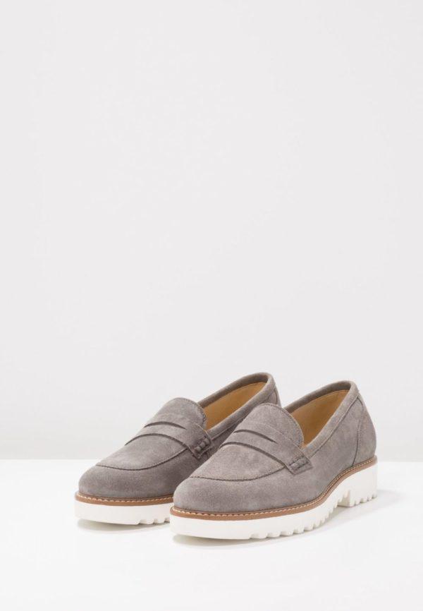 женская обувь весна лето 2020: Серые лоферы