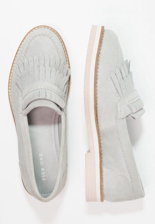 женская обувь весна лето 2019: серые лоферы
