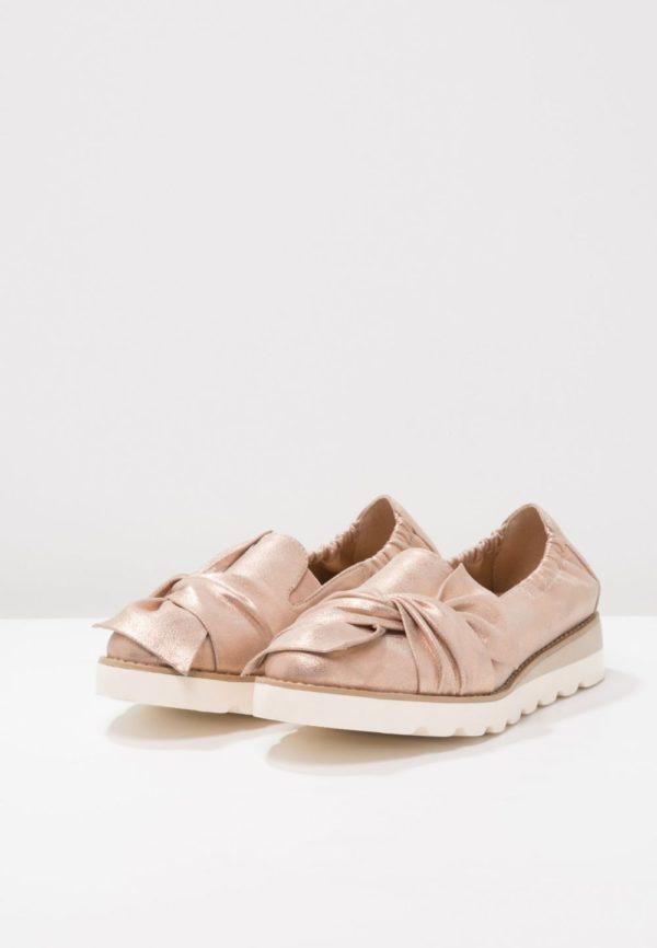 женская обувь весна лето 2020: Розовые лоферы