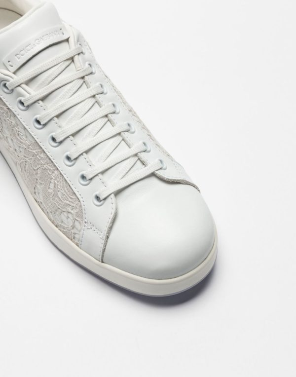 женская обувь весна лето 2019: Белые кеды