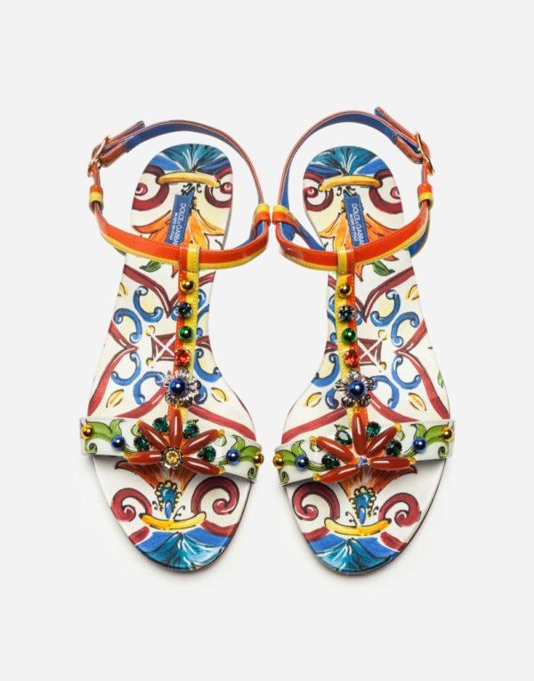 цветные сандалии