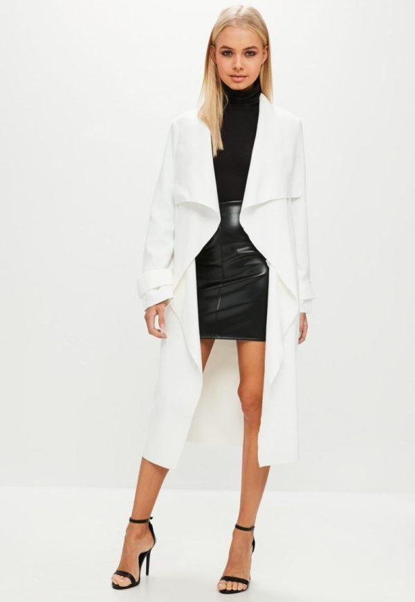 Женские кардиганы: белый пальто